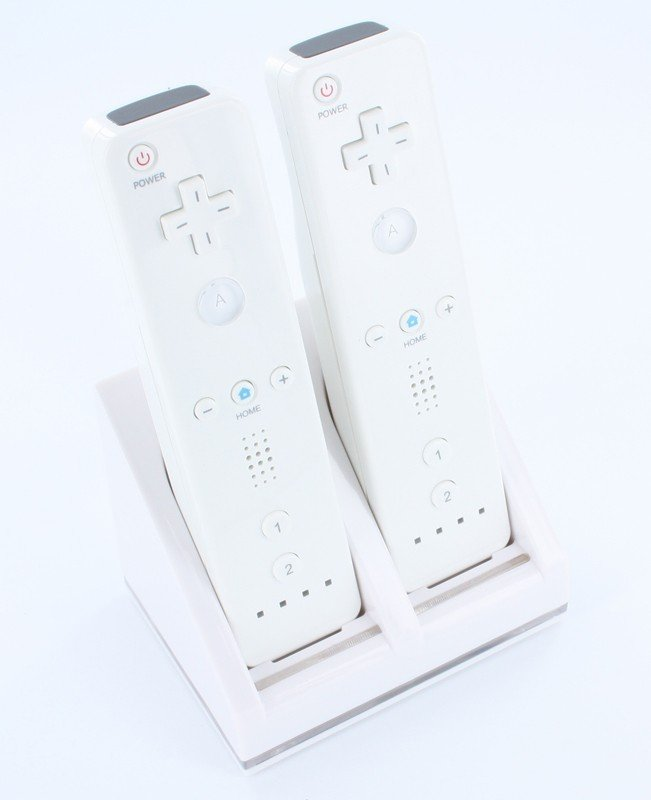 Wii Laadstation voor 2 controllers + 2x accu 2800 mAh wit